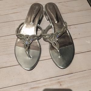 🌸🌸Nice silver sandals by beyond 🍀🌸